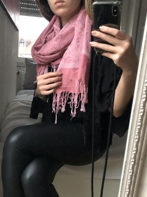 Schal mit Orientalischem Muster