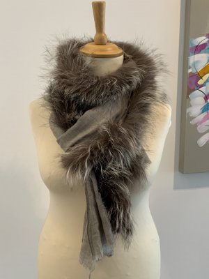 Schal mit Pelz