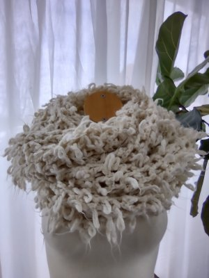 Zara Szydełkowany szalik w kolorze białej wełny-kremowy
