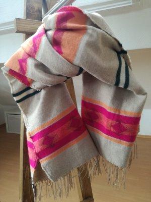 Schal mit schönem Muster