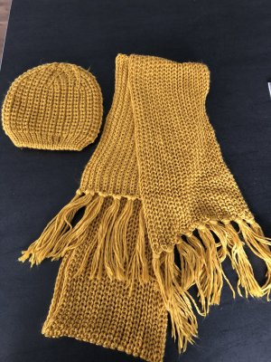 H&M Divided Knitted Scarf ocher