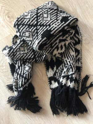 Urban Outfitters Woolen Scarf black-white