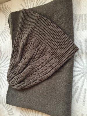 Schal und Haube
