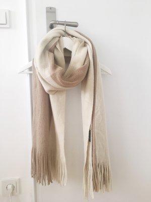 Schal von Reserved