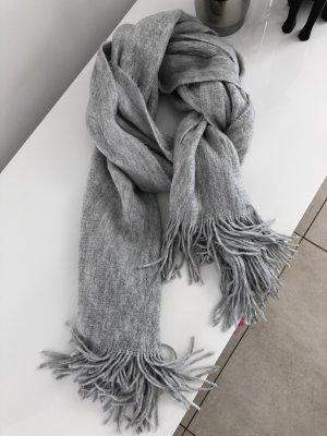 Sciarpa con frange grigio chiaro