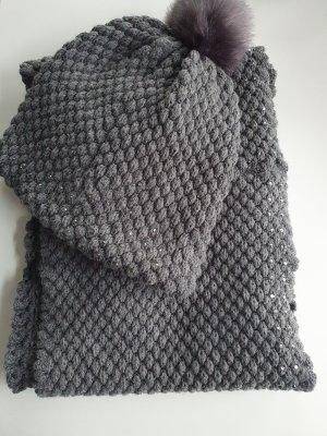 Bonita Caperuza color plata-gris