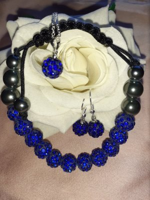 Pearl Necklace blue