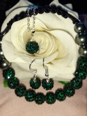 Pearl Necklace dark green