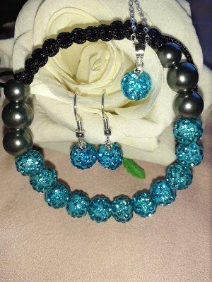 Collana di perle azzurro