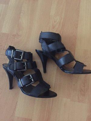Scharfe High Heels