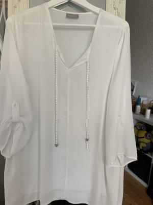 Schicke Bluse für das Büro oder am Abend