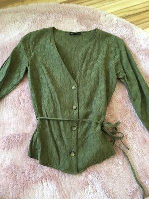 Schicke Bluse mit Muster und Knöpfen