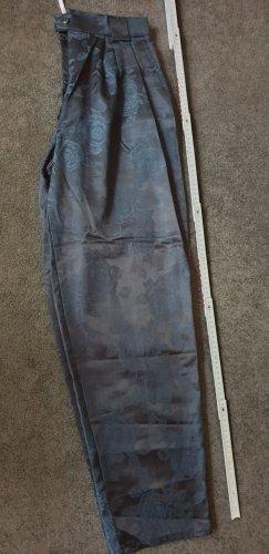 Schicke Bundfaltenhose zum Ausgehen
