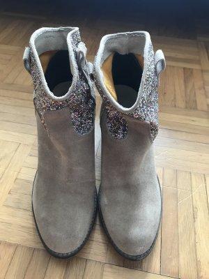 Sandały na obcasie w stylu western beżowy