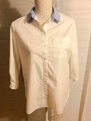 Schicke Hemd-Bluse mit blauem Kragen