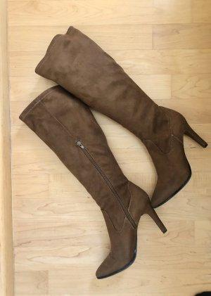 Schicke High Heel Stiefel aus