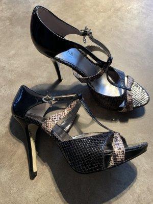 Schicke High Heels von Guess