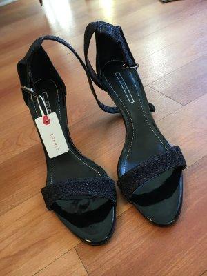 Schicke hohe Schuhe
