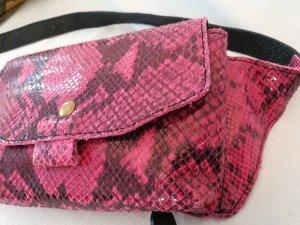 schicke kleine Bauchtasche in Schlangelederoptik - pink