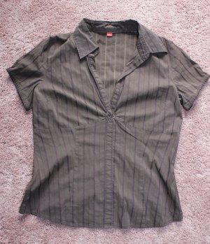 • Schicke Kurzarm-Bluse