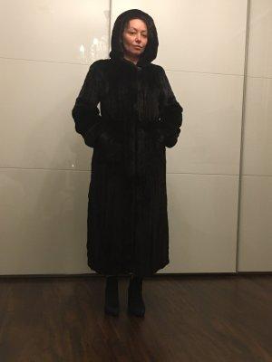 Manteau de fourrure noir-brun foncé