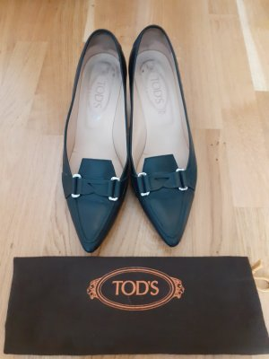 Tod's Pointed Toe Pumps black