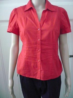 Schicke rote Bluse mit kurzen Ärmeln