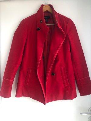 Schicke rote Jacke