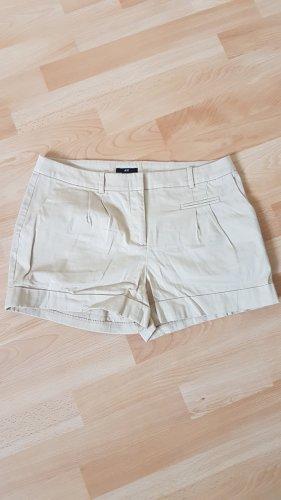 Schicke Shorts in Sandbraun Gr. 38