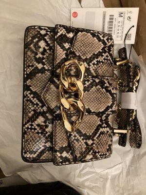 schicke Tasche in Schlangenlederoptik