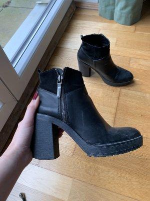 Schicker Ankle Boot