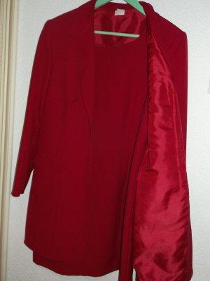 Schicker roter Zweiteiler (Kleid und Mantel)