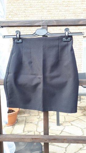 Schicker, schwarzer Minirock