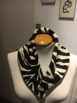 Bufanda con capucha negro-blanco