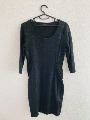 Schickes enganliegendes Kleid