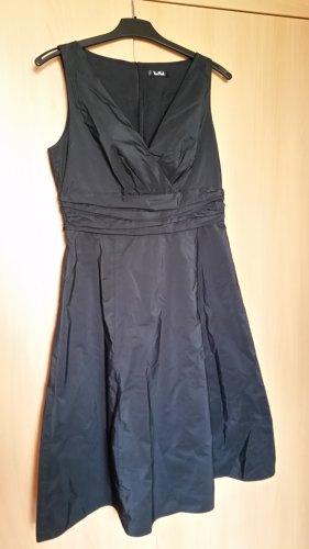 Vera Mont Vestido línea A negro Poliéster