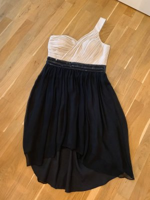 Schickes Kleid für edle Anlasse - vorne kürzer als hinten