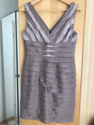 Adrianna Papell Robe de cocktail gris brun