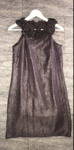 Schickes Kleid mit Rosen