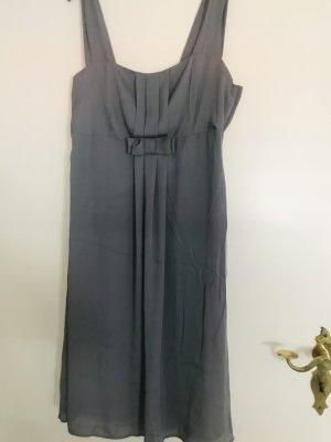 Schickes Kleid mit schleifchen