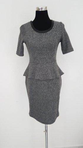 Schickes Kleid mit Schößchen