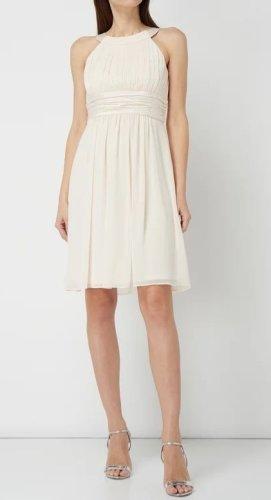 Schickes Kleid von Jakes