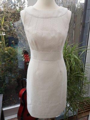 Schickes Kleid von Tahari