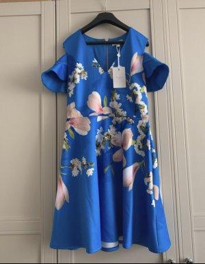 Schickes Kleid von Ted Baker