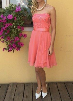 Schickes Kleid von Vera Mont