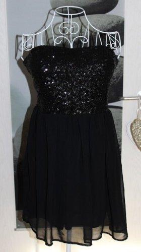 • Schickes Pailletten Kleid