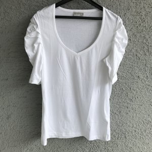 schickes Rainbow T-Shirt Neu V-Ausschnitt geraffte Ärmel 100 % Baumwolle uni weiß Gr. 40 L schickes Rainbow T-Shirt NEU 100 % Baumwolle V-Ausschnitt  Das stylishe Shirt mit auffallenden Raffungen an den Ärmeln liegt voll im Trend. Diese peppen den Basic-L