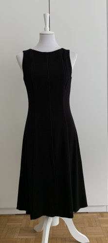 Schickes schwarzes, ärmelloses Kleid von Carrie Hutton