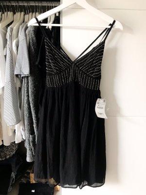 Schickes Zara Kleid mit Rückenausschnitt