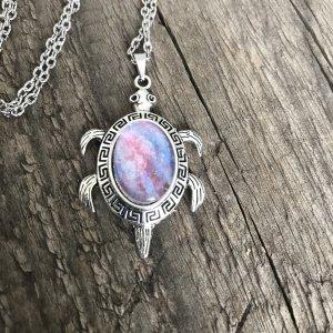 Medallion silver-colored
